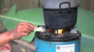 Kopernik in Pecung: Fuel-Efficient Biomass Stove