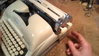 Voss ST-24 typewriter IN CURSIVE!!