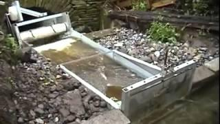 Micro hydro floating turbine