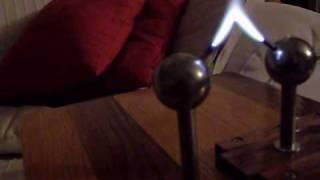 High Voltage Singing Arc - Plasma Speaker