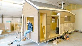 Building a Modern Tiny House for Off-the-grid Living (Eco-friendly)