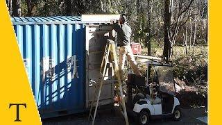 Shipping container conversion series video 7 (welding on the green roof trough)