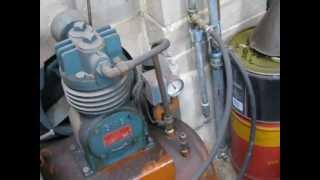 Make a compressed air drier from junk water pipe