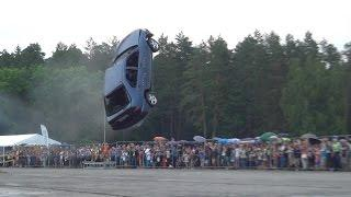 "Must see: ""Flying cars"" stunt show in Vilnius (World record) loop"