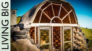 Extraordinary Micro Earthship in New Zealand
