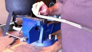 Backyard Foundry DIY tools - lifting tongs