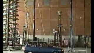 Marx Generator 2 Millionen Volt Auto-Einschlag