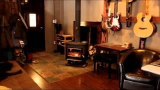 Green Homes: A tour of how we live & work off grid in our straw bale home - Riverstone Studios