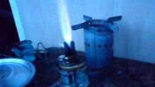 Stove burning acetone and alcohol and acetone mixture